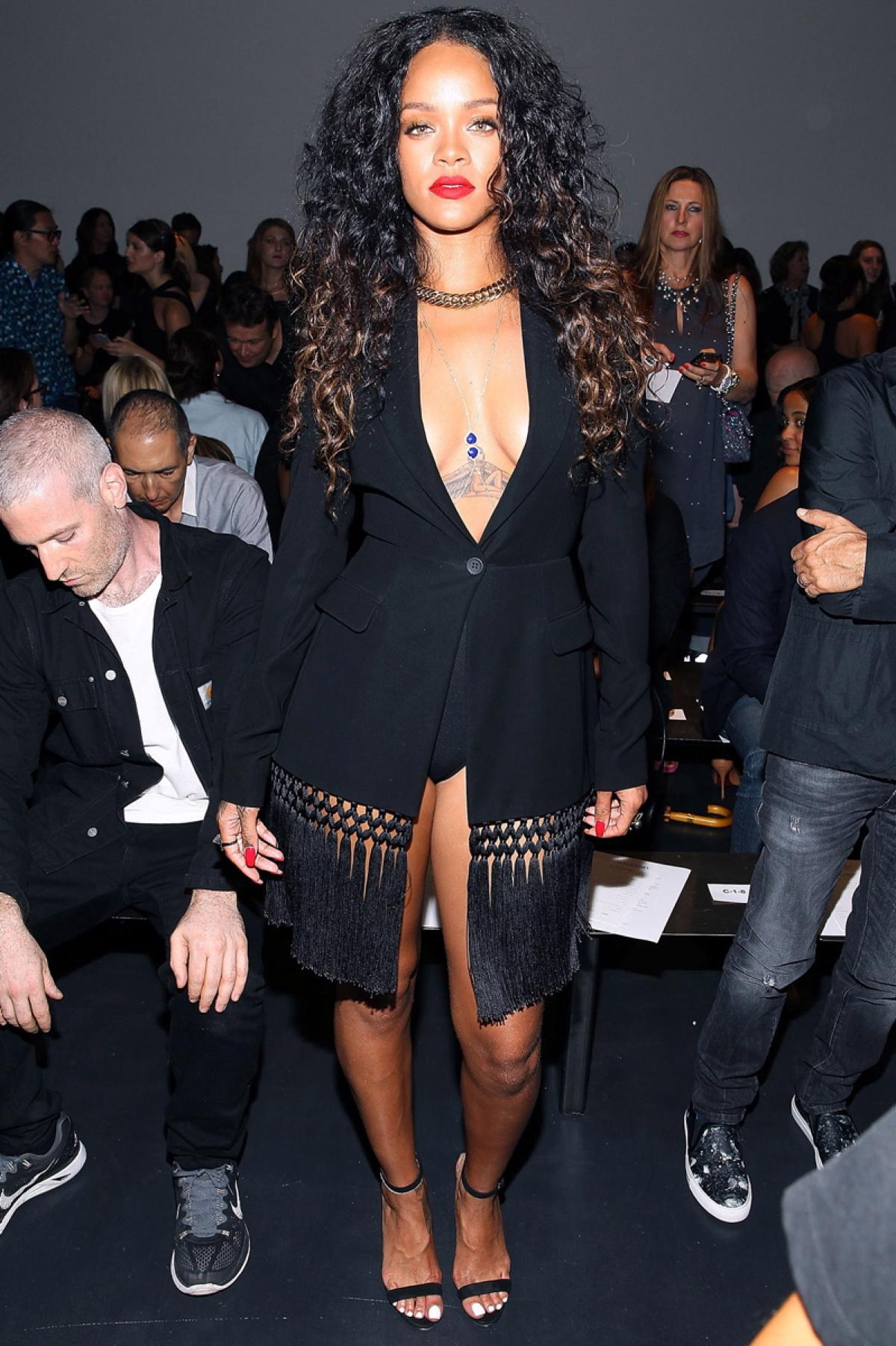 Every Day Of The Week Rihanna S Seven Outfits During New York Fashion Week Potent Magazine